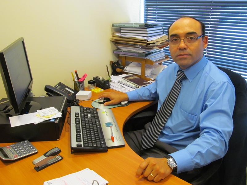 Manuel Alarcón, director de la Escuela de Nutrición y Dietética de la UST Temuco